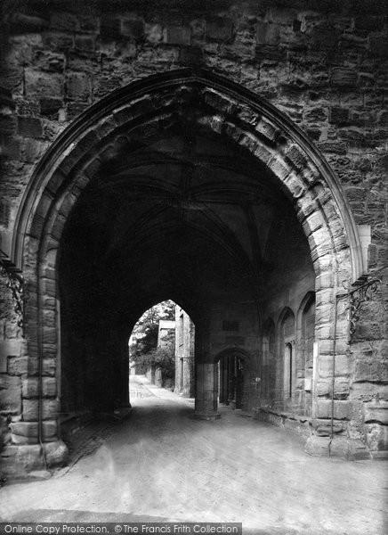 Photo of Durham, College Gateway 1923, ref. 74083