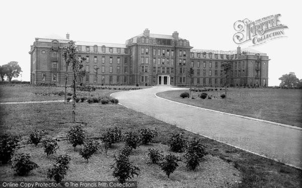Photo of Durham, Neville's Cross College 1923