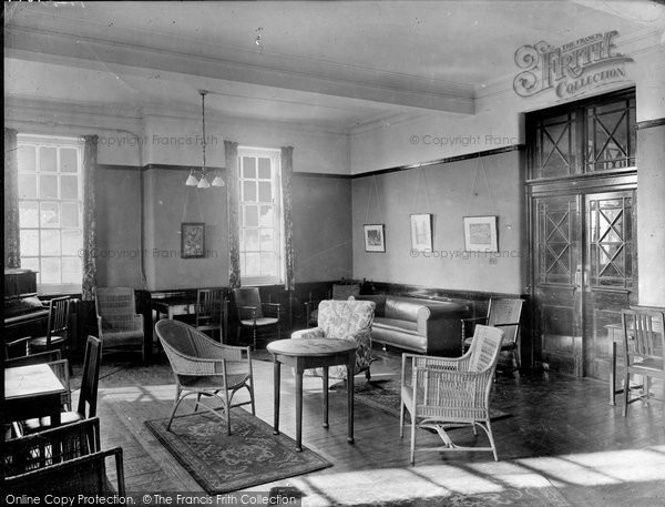Photo of Durham, Neville's Cross College, Common Room 1925, ref. 77673