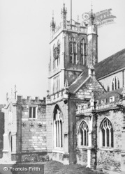 Dursley, St James The Great's Church c.1947