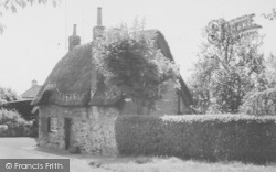 The Cottage, Mill Way c.1955, Duston