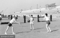 Dymchurch, Children On The Sands c.1960