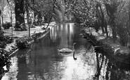 Ealing, Walpole Park c1955