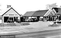 Loddon Bridge Motors c.1960, Earley