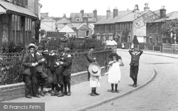 Earlswood, Children In Earlswood Road 1906