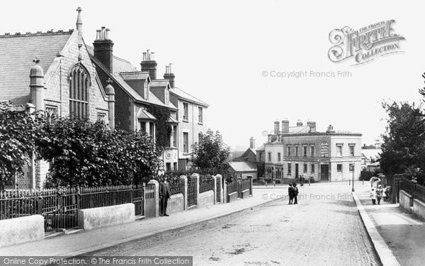 Earlswood Road, 1906. Reproduced courtesy of Francis Frith