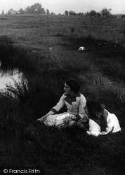 Earlswood, Girls By The New Pond 1915