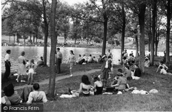 Earlswood, Lake, The Lido c.1950