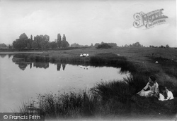 Earlswood, New Pond 1915