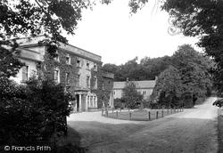Easby, Hall 1913