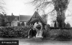 Easebourne, St Mary's Church And Lychgate 1906