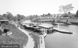 East Farleigh, Lock On The River Medway c.1960