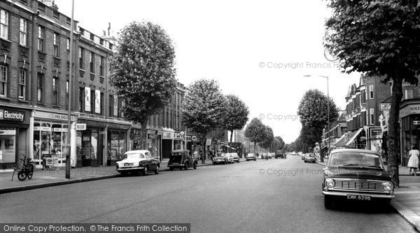 Photo of East Finchley, High Road c.1965
