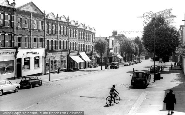 Photo of East Finchley, High Road c1965