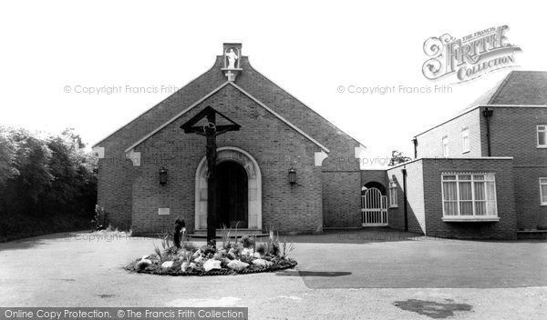 Photo of East Finchley, St Mary's Roman Catholic Church c.1965