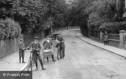 Delivery Boys 1907, East Grinstead