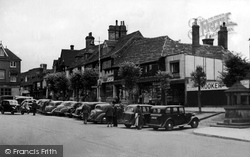 East Grinstead, High Street c.1948