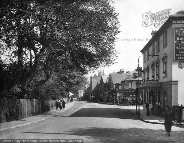 Photo of East Grinstead, London Road 1923