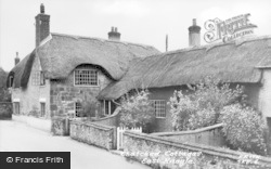 East Knoyle, Thatched Cottages c.1955