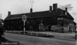 East Knoyle, The Seymour Arms c.1955