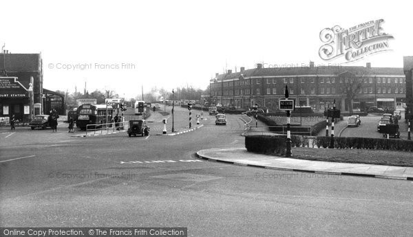 East Molesey, Hampton Court Way, c.1955 Reproduced courtesy of The Francis Frith Collection