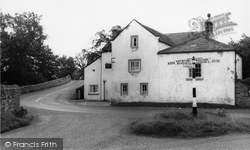 East Witton, The Cover Bridge Inn c.1960