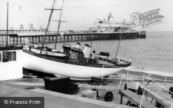 Eastbourne, The Beach c.1965