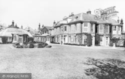 Eastbourne, Towner Art Gallery c.1930