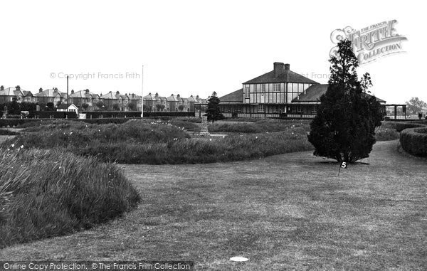 Photo of Eastleigh, Miniature Golf Course, Fleming Park c1955
