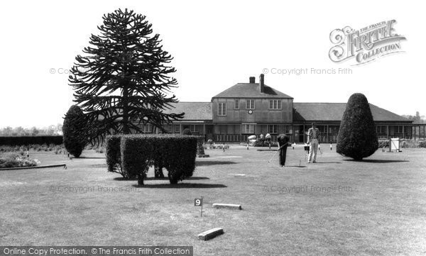 Photo of Eastleigh, The Putting Green, Fleming Park c.1955