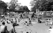 Eastleigh, the Swimming Pool c1955
