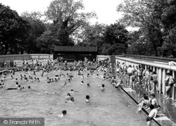 Eastleigh, The Swimming Pool c.1960