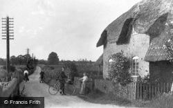 New Bridge Cottage c.1900, Easton