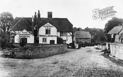 The Chestnut Horse Inn c.1900, Easton
