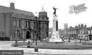 Eccles, Monument c1955