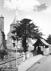 Edenbridge, St Peter And St Paul's Church c.1955