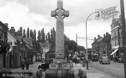 Edgware, The Memorial, High Street 1954