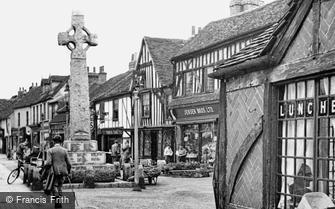 Edgware, War Memorial, High Street 1948