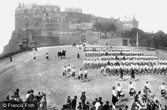 Edinburgh, Black Watch on the Castle Esplanade 1897
