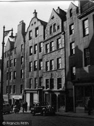 Edinburgh, West Bow 1953