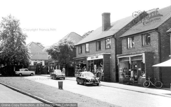 Effingham, the village, c.1965. Reproduced courtesy of The Francis Frith Collection
