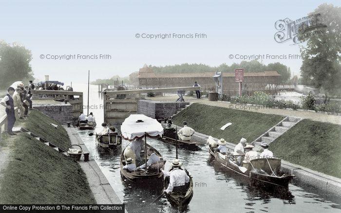 Photo of Egham, Bell Weir Lock 1907