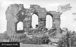 Castle Ruins c.1939, Egremont