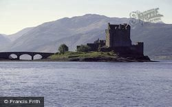 Castle 1977, Eilean Donan