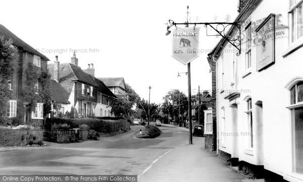 Photo of Elham, High Street c.1960