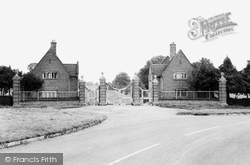 Gateway To Chequers c.1965, Ellesborough