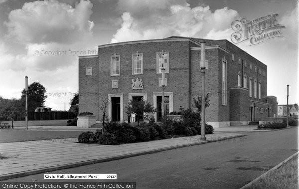 Photo of Ellesmere Port, Civic Hall c.1961