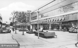 Ellesmere Port, Marina Walk c.1965