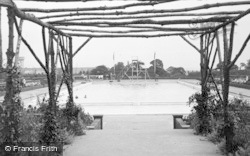 Ellesmere Port, Rivacre Baths, Overpool c.1935