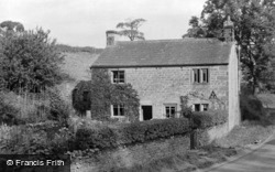 Lilac Cottage Youth Hostel c.1955, Ellingstring